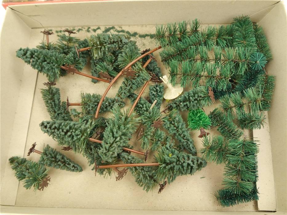 E322 N H0 28x Landschaftsbau Bäume Nadelbäume Tannen / ca. 3,5-10cm