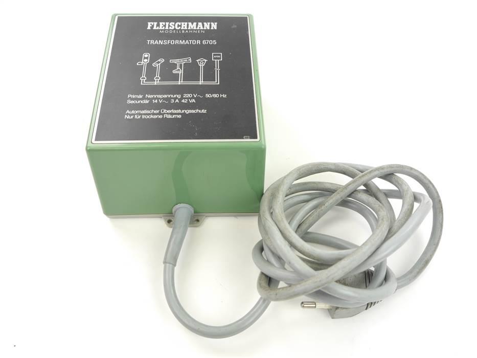 E307 Fleischmann 6705 Transformator Trafo Lichttrafo 220 V / 42 VA *geprüft*