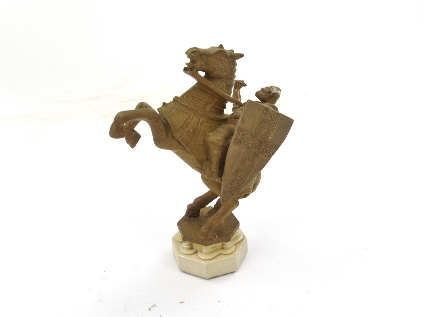 E103 Figur Statue Denkmal Ritter auf Pferd / ca. 11,5 cm