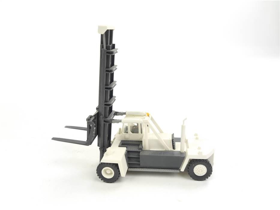 E169 Kibri H0 Modellauto Gabelstapler KALMAR weiß / ca. 12x5,1x10,3 cm