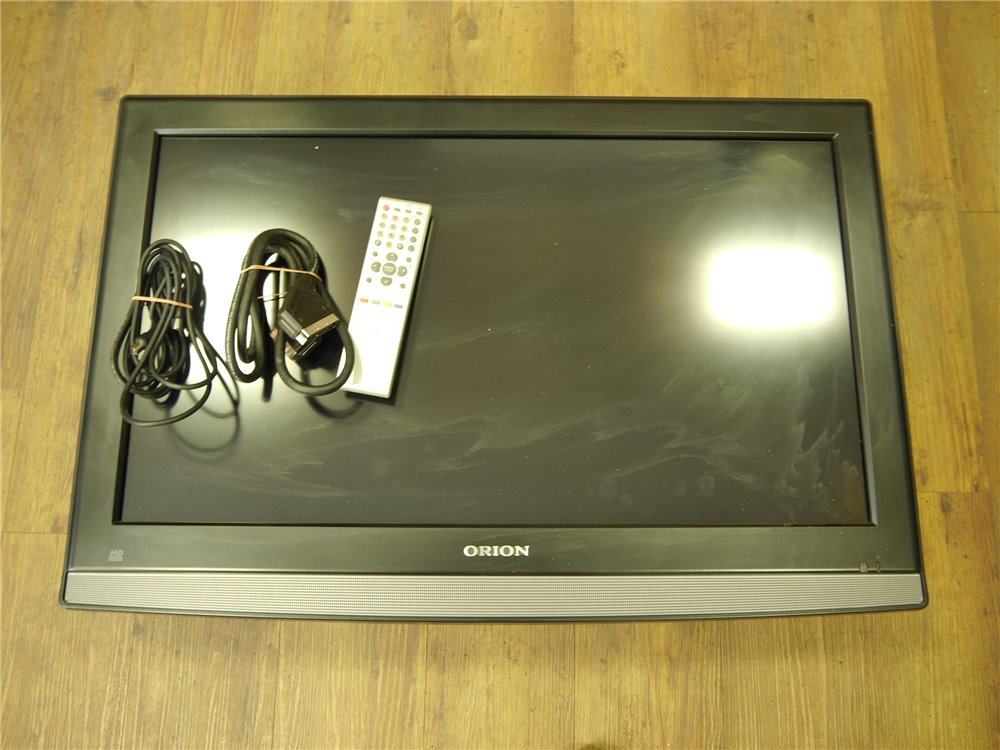E254 Orion TV82932 TV Fernseher LCD HDTV / 32 Zoll *geprüft* / Abholer!