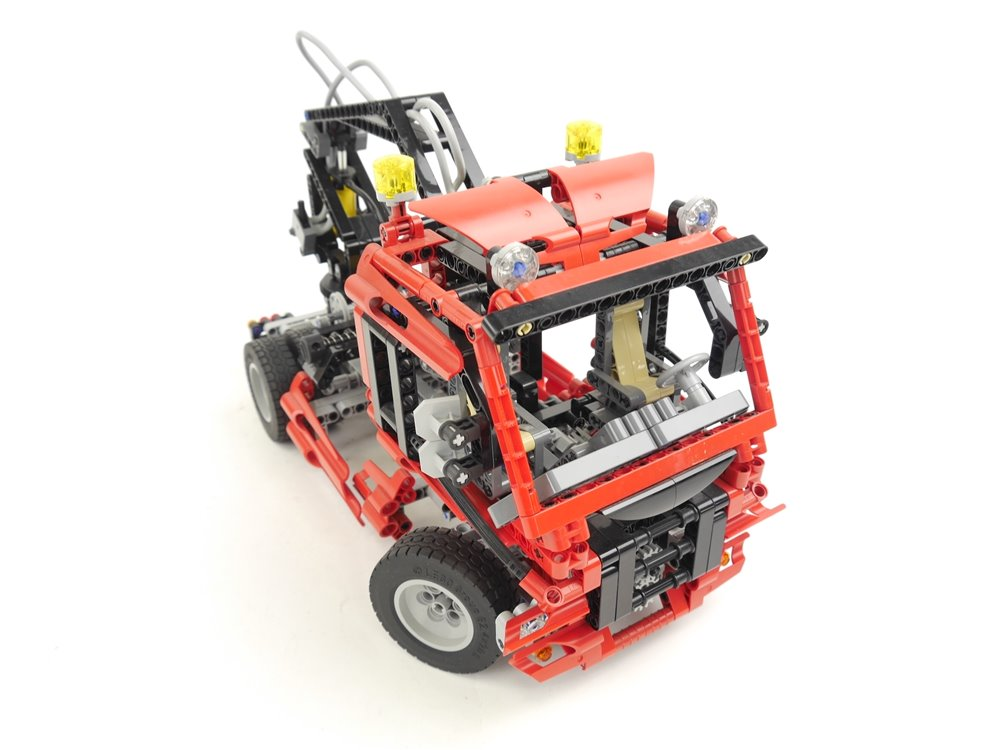E293 LEGO Technic 8436 Geländewagen Truck mit Kran und Pneumatic