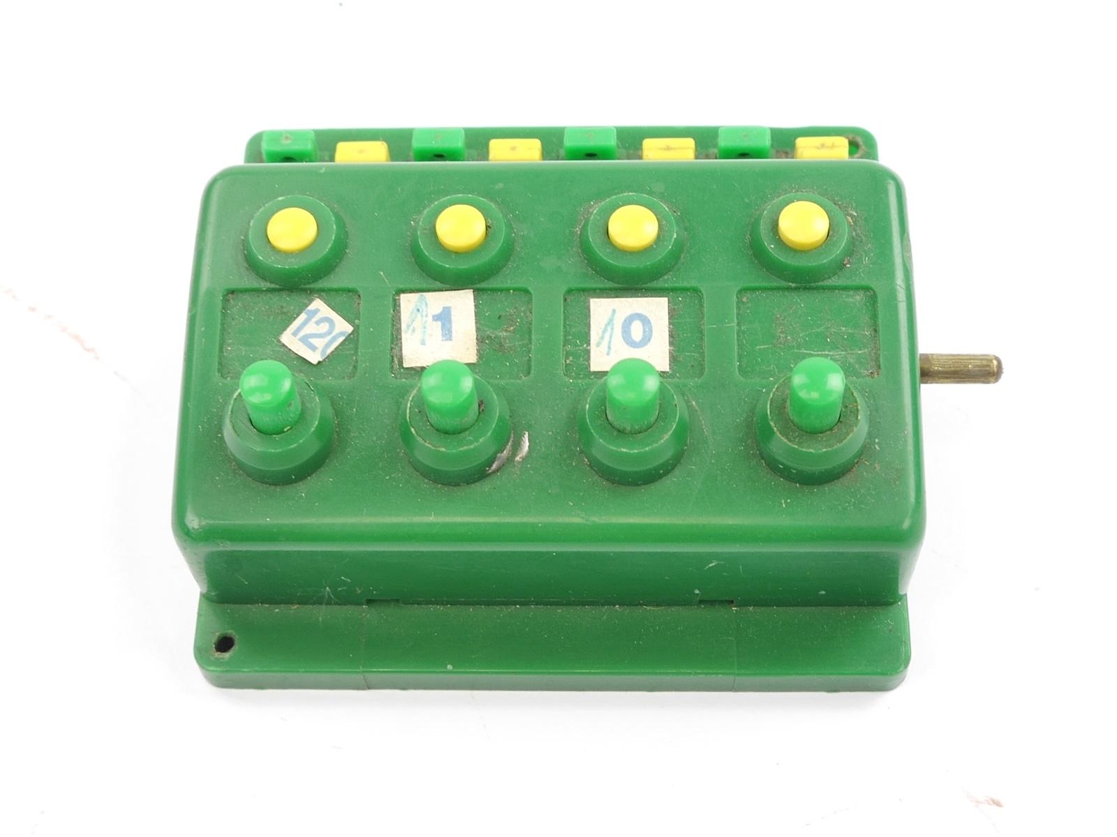 E316 Trix H0 66596 6596 Stellpult Schaltpult Drucktastenschalter 4-fach Note 3-4