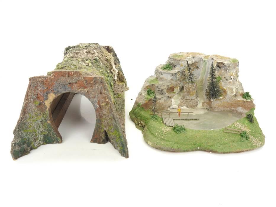 E298 Preiser u.a. H0 2x Landschaftsbau Diorama Bergsee mit Wasserfall Tunnel