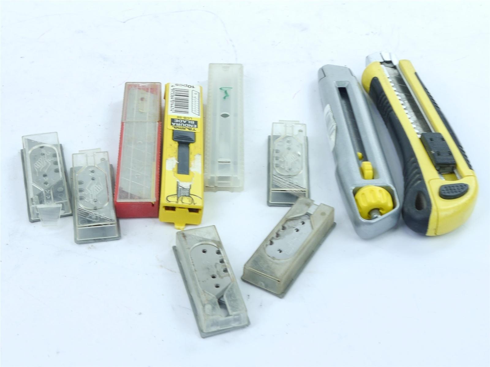 E122 Tajima u.a. - 2x Cuttermesser + 16x Abbrechklingen + 45x Trapezklingen