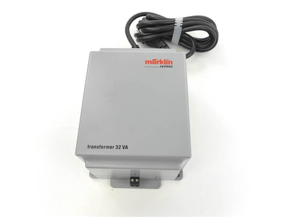 E298 Märklin 60032 66322 Trafo Transformator 230 V / 32 VA *geprüft*