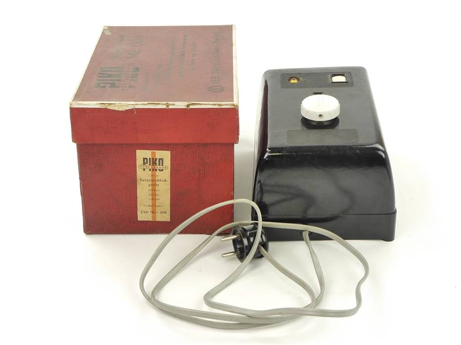 E317 Piko ME 004 Trafo Transformator Netzanschlussgerät 220 V / 1,5-2,5 A