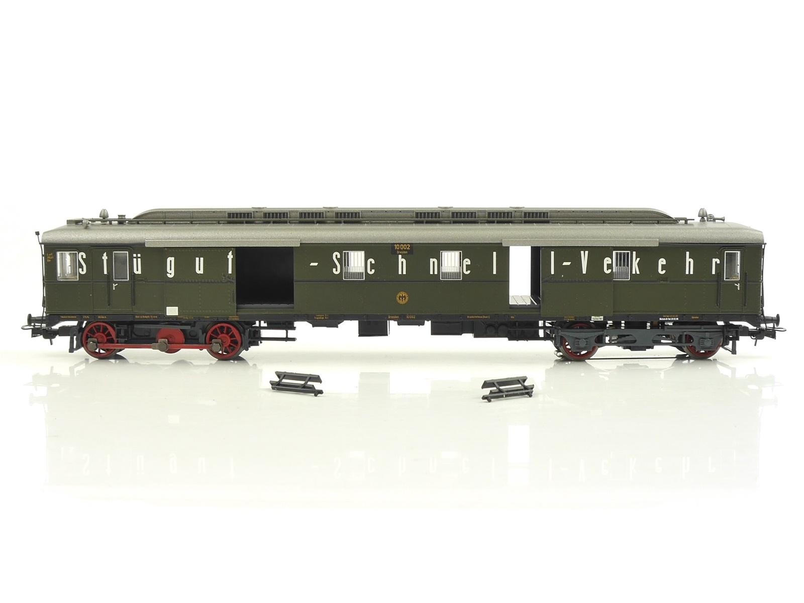 E116 Liliput H0 133031 Diesel-Gepäcktriebwagen VT 10 002 DR / DSS Digital NEM AC