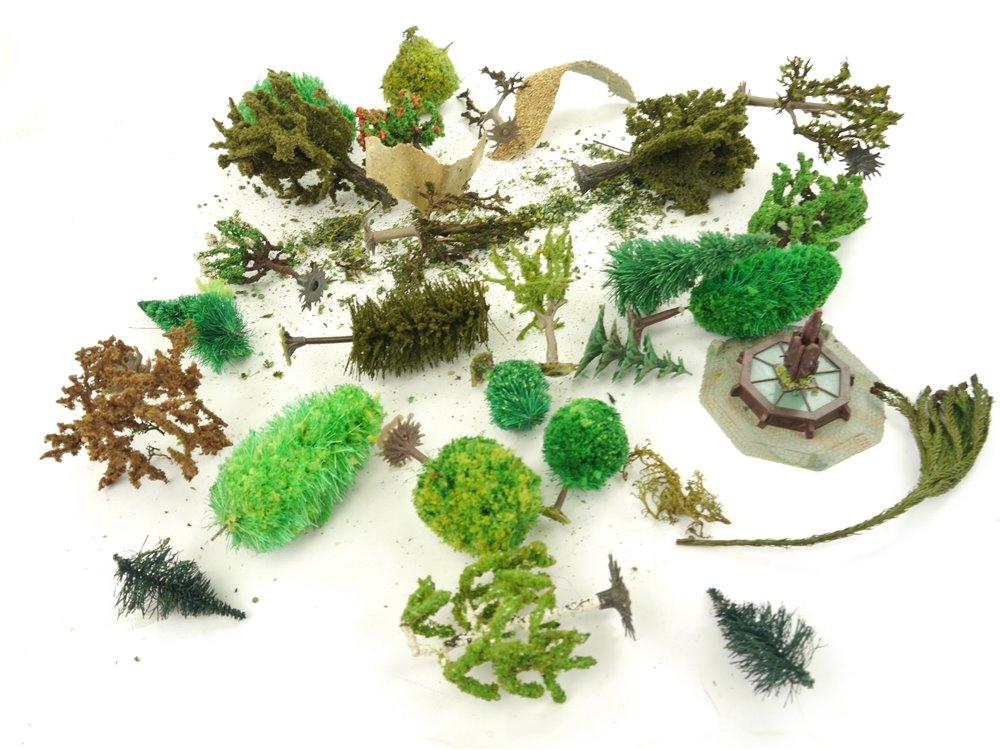 E162 H0 Landschaftsbau Bäume Laubbäume Stadtbrunnen / ca. 4 - 10 cm / ca. 130 g