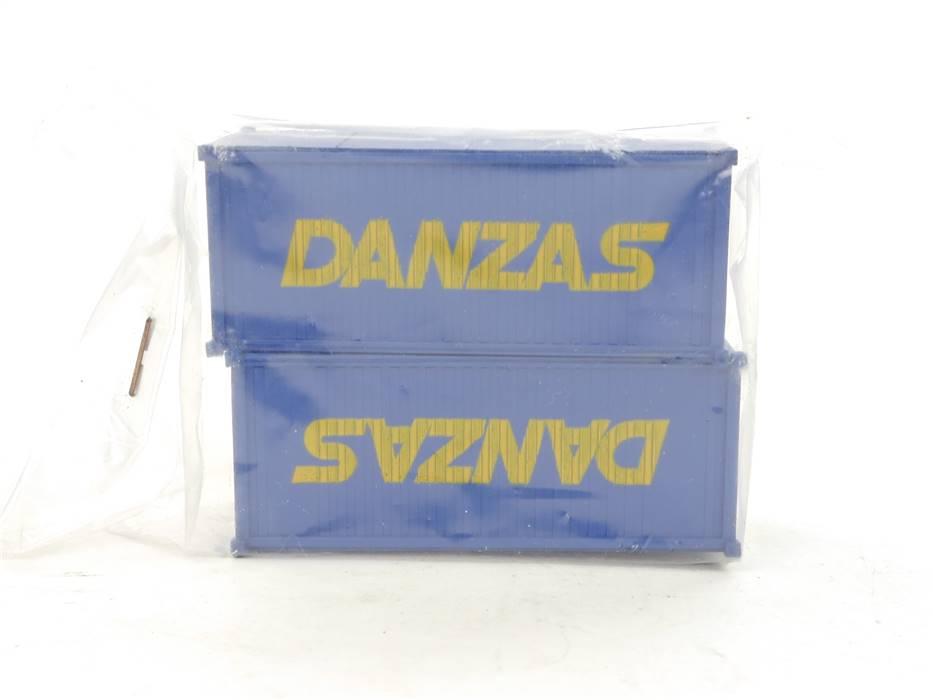 """E169 H0 2x Modellauto Zubehör Container """"DANZAS"""" / ca. 7 x 2,8 x 2,8 cm"""