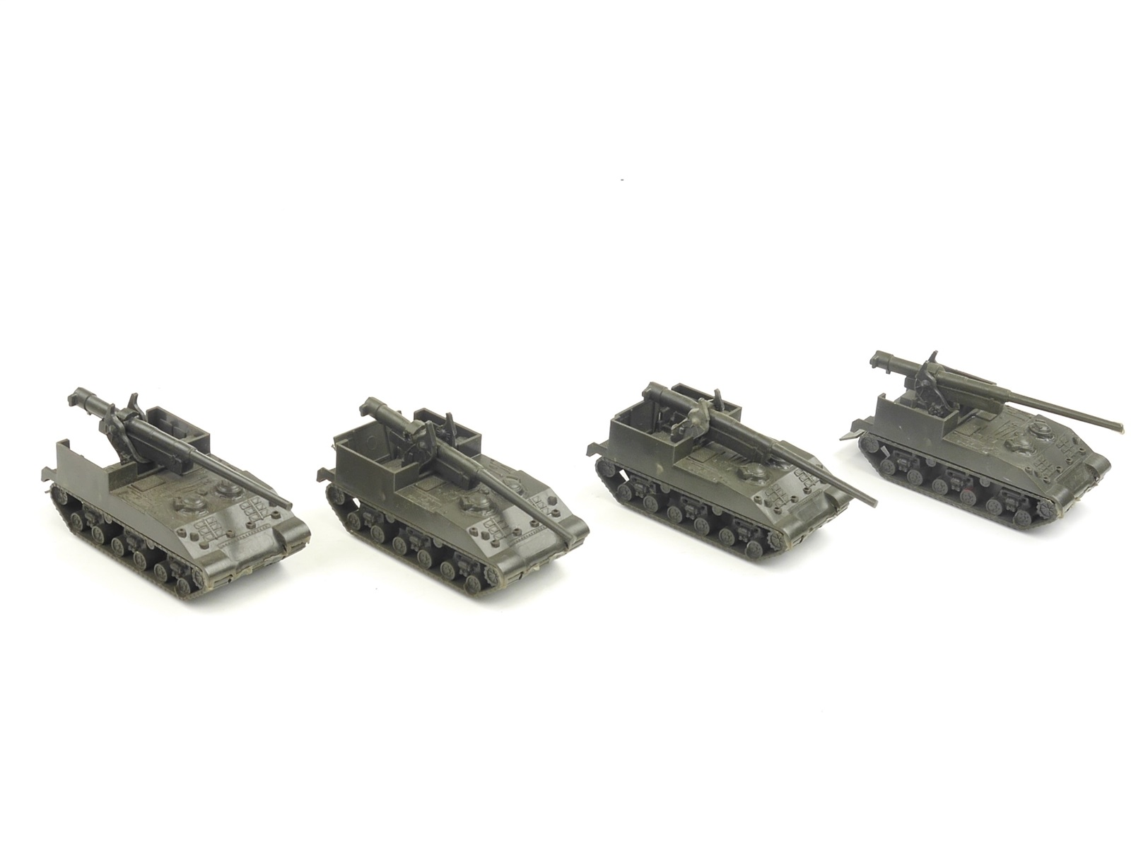 E135 Roco Minitanks H0 104 4x Militärfahrzeug Selbstfahrlafette M-40 155MM 1:87